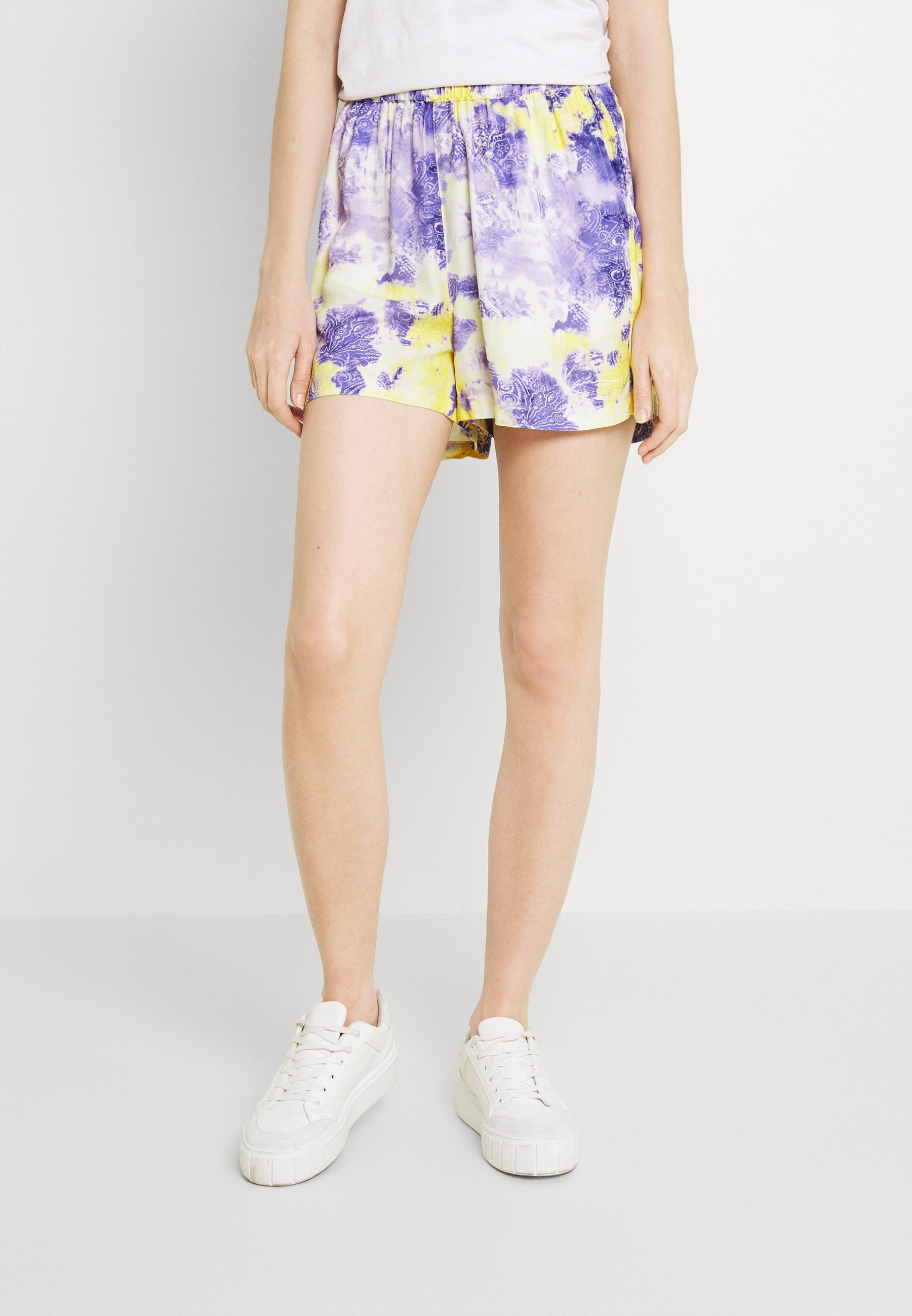 Women SMALL SIGNATURE PAISLEY RESORT - Shorts