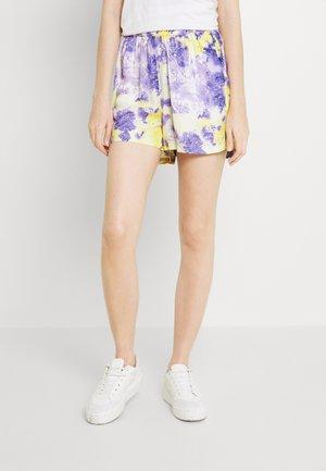SMALL SIGNATURE PAISLEY RESORT - Shorts - lilac