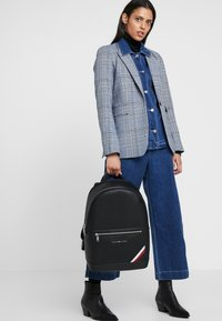 Tommy Hilfiger - DOWNTOWN BACKPACK - Reppu - black - 5
