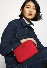 Tommy Hilfiger - POPPY CROSSOVER - Across body bag - red - 1