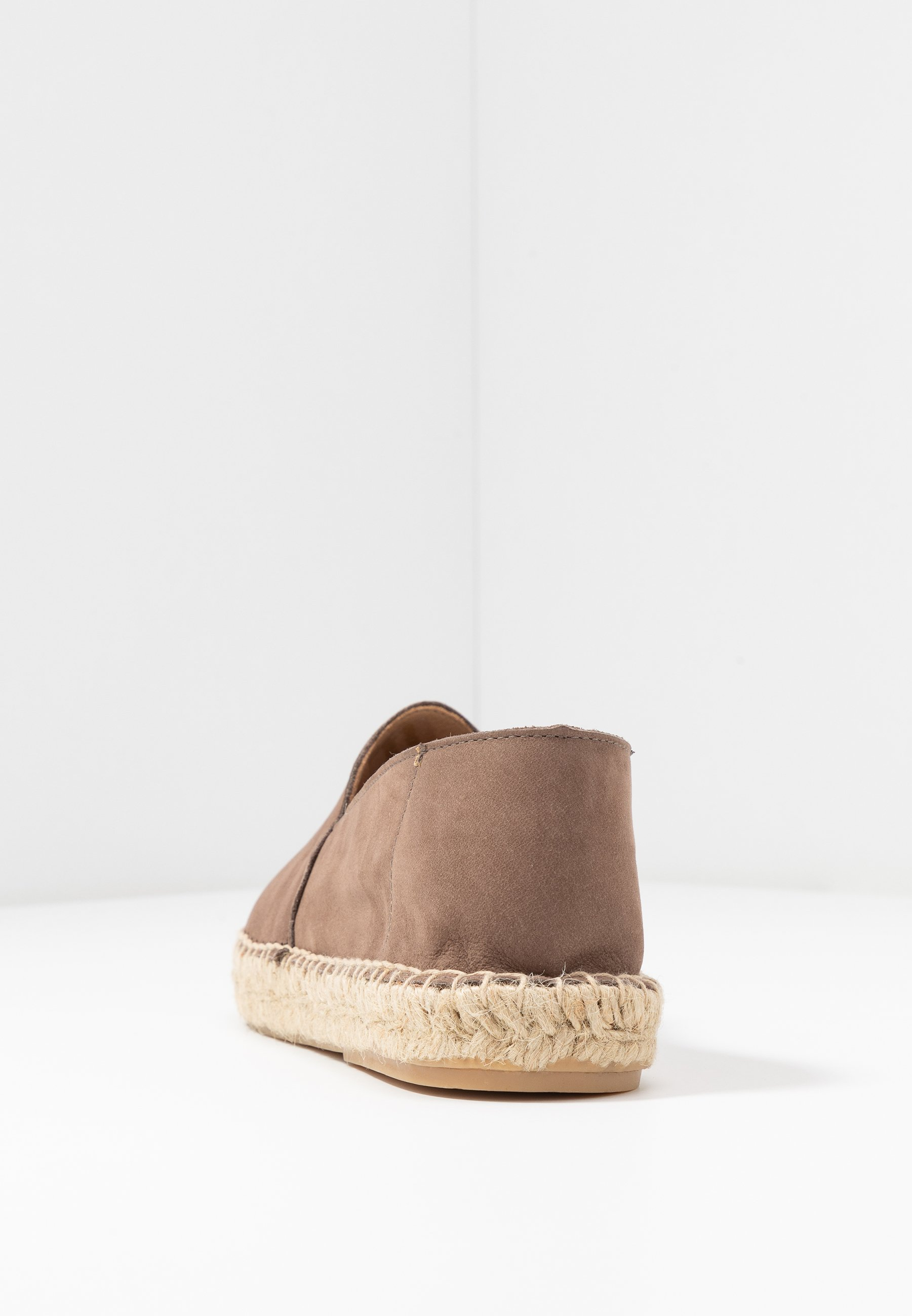 Bianco ESPADRILLES KLASSISCHE - Loafers - light brown