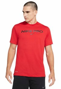Nike Sportswear - T-shirt con stampa - university red - 0