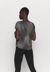 ONLY Play - ONPFAN  - Print T-shirt - black - 2