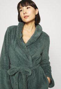 Hunkemöller - ROBE LONG SNUGGLE - Dressing gown - balsam green - 3