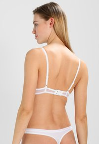 Triumph - DARLING SPOTLIGHT - Push-up BH - white - 2
