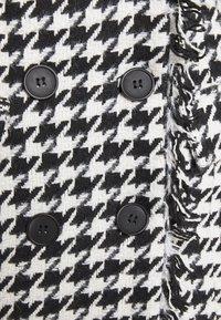 Missguided - TAILORED BLAZER DRESS HOUNDSTOOTH - Kjole - white - 2