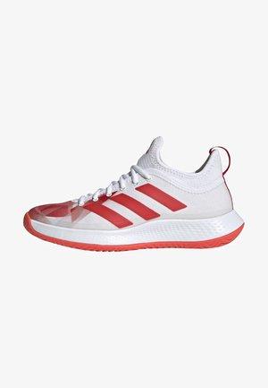 DEFIANT GENERATION - Chaussures de tennis pour terre-battueerre battue - white