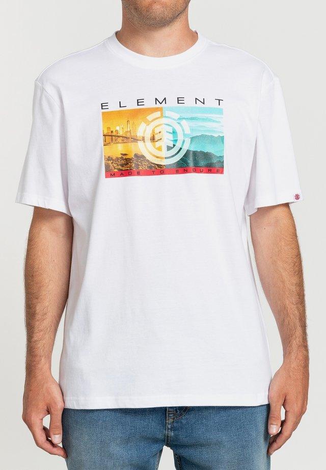 SENTINEL  - T-shirt con stampa - optic white