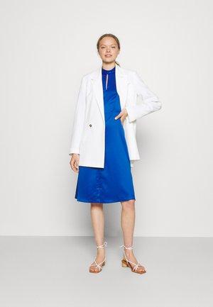 HIGH COLLAR A-LINE DRESS - Cocktail dress / Party dress - cobalt