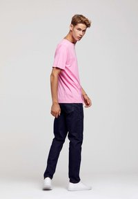 ROCKUPY - Print T-shirt - pink - 7