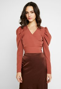 Missguided - PUFF SLEEVE WRAP CROP - Blouse - rust - 0