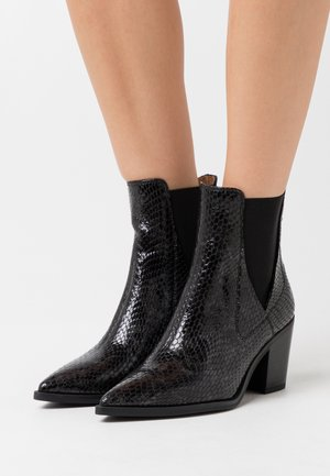 MUNIS - Classic ankle boots - rhino