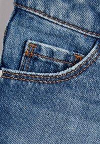 Next - DARK BLUE FRAYED HEM SHORTS (3-16YRS) - Jeansshort - mottled dark blue - 2