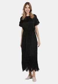 DreiMaster - SATINKLEID - Maxi dress - schwarz - 1