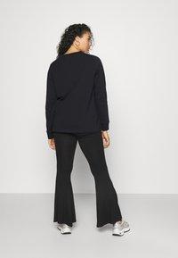adidas Originals - 3-STRIPES ORIGINALS ADICOLOR LONG SLEEVE T-SHIRT - Long sleeved top - black - 2