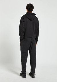 PULL&BEAR - Cargo trousers - black - 2