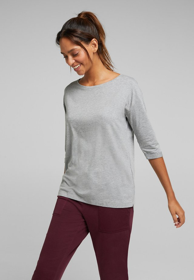 MIT BIO-BAUMWOLLE - Long sleeved top - medium grey