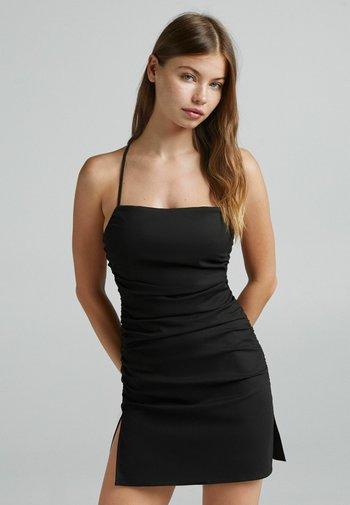 MIT RAFFUNG - Day dress - black