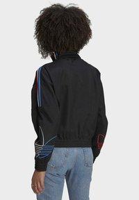 adidas Originals - ADICOLOR TRICOLOR TREFOIL PRIMEBLUE TRACK TOP - Training jacket - black - 2