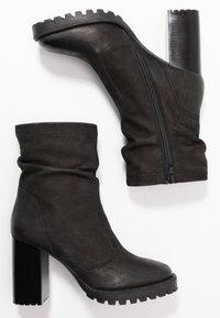 Steven New York - ELVIRA - Kotníková obuv na vysokém podpatku - black - 3