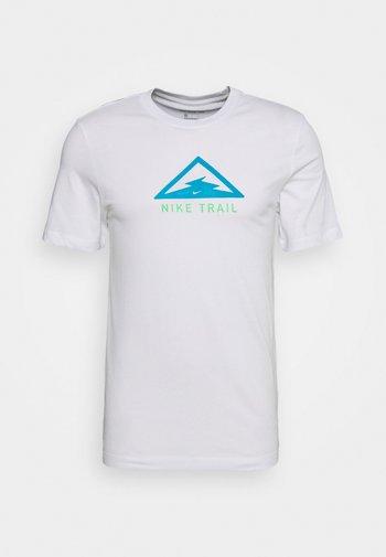 DRY TEE TRAIL - T-shirt med print - white