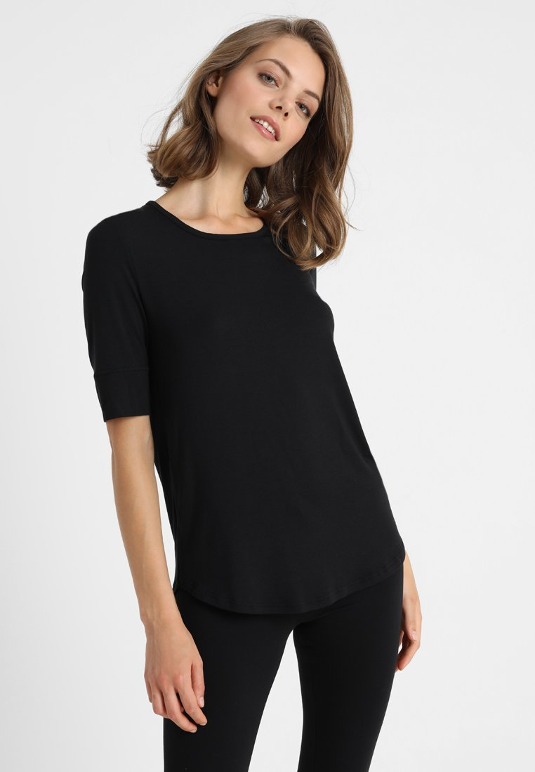 Short Stories - BLACK MATTERS - Pyjama top - black