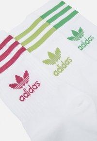 adidas Originals - MID CUT 3 PACK UNISEX - Socks - white - 1