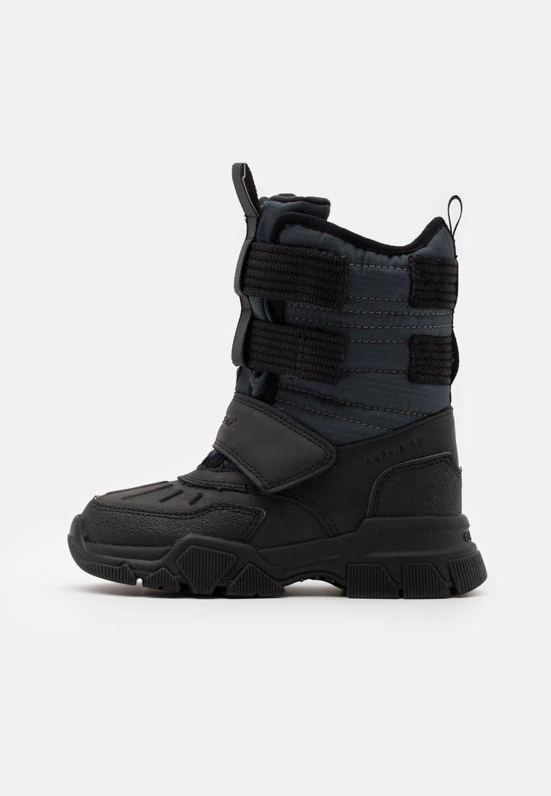 Geox - NEVEGAL BOY ABX - Zimní obuv - dark grey