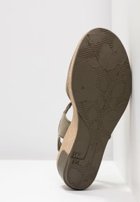 El Naturalista - LEAVES - Platform heels - kaki - 6