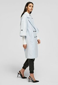 KARL LAGERFELD - Classic coat - artic ice - 3