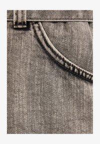Bershka - MIT GÜRTEL  - Jeans Short / cowboy shorts - light grey - 5