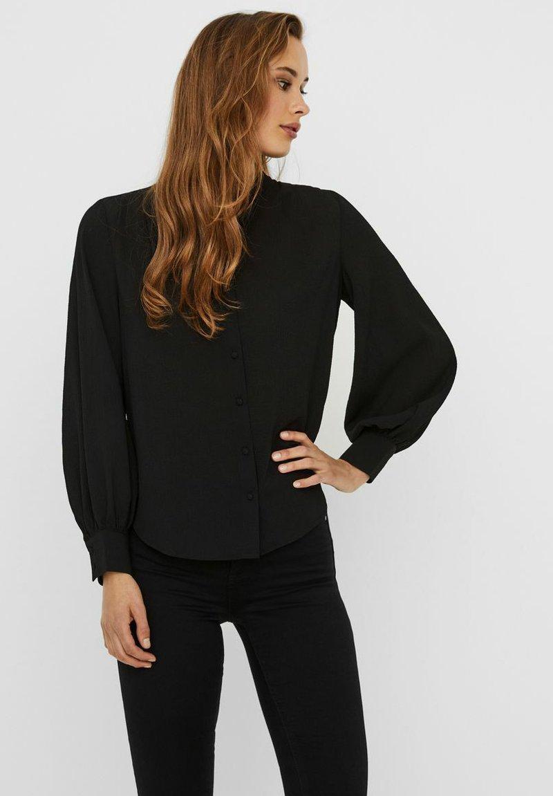 Vero Moda - VMAYA PLEAT  - Button-down blouse - black