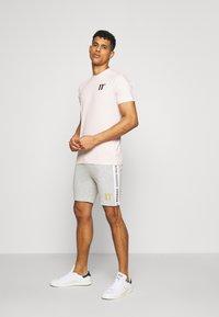 11 DEGREES - CORE  - T-shirt basic - powder pink - 1