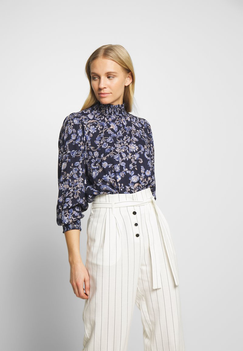 Kaffe - MOLLI HIGH NECK BLOUSE - Bluser - midnight marine