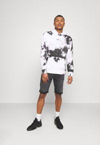 Hollister Co. - Sweatshirt - white/black/pink - 1