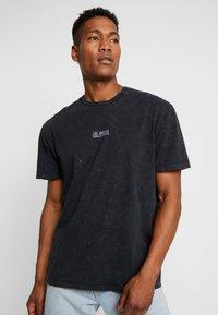 Topman - DESTINATION TEE - Print T-shirt - black - 0