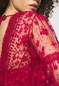 Needle & Thread - LOTTIE MIDI DRESS - Koktejlové šaty/ šaty na párty - deep red - 4