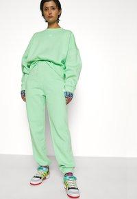 adidas Originals - PANTS - Pantalones deportivos - glory mint - 5