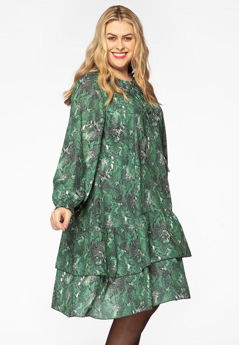 Yoek - Day dress - green