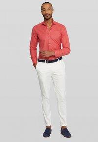 Van Gils - Shirt - red - 1