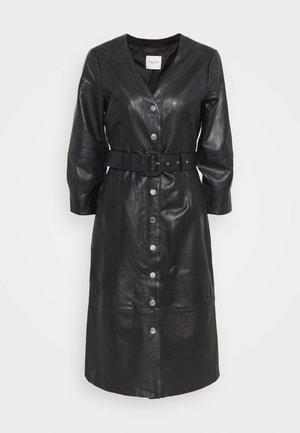 SLFJOHANNE 7/8 DRESS - Denní šaty - black