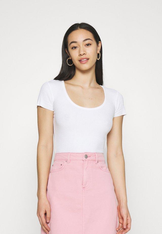 SCOOP BABY TEE - T-shirt basic - white