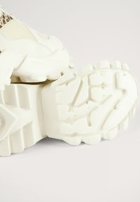 NA-KD - DETAIL TRAINERS - Trainers - white - 4