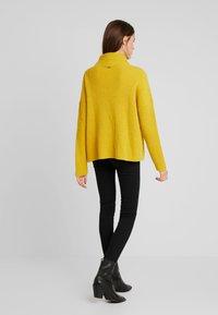 Liu Jo Jeans - MAGLIA CHIUSA  BOTTONI - Pullover - light yellow - 2
