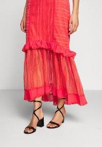 Three Floor - LYNDI DRESS - Maxi dress - spiced coral - 3