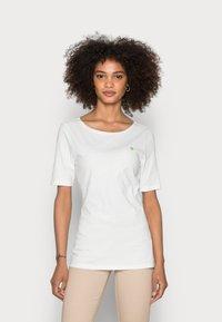 Marc O'Polo - SHORT SLEEVE ROUND NECK - Basic T-shirt - white - 0