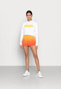 Calvin Klein Jeans - Shorts - yellow - 1