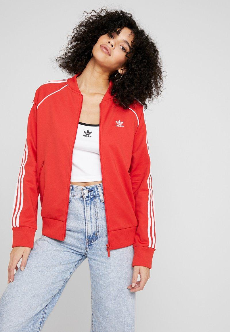 adidas Originals - SUPERSTAR ADICOLOR SPORT INSPIRED TRACK TOP - Giubbotto Bomber - lush red/white