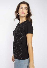 LIU JO - Print T-shirt - black - 3