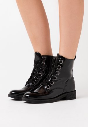 Lace-up ankle boots - black patent
